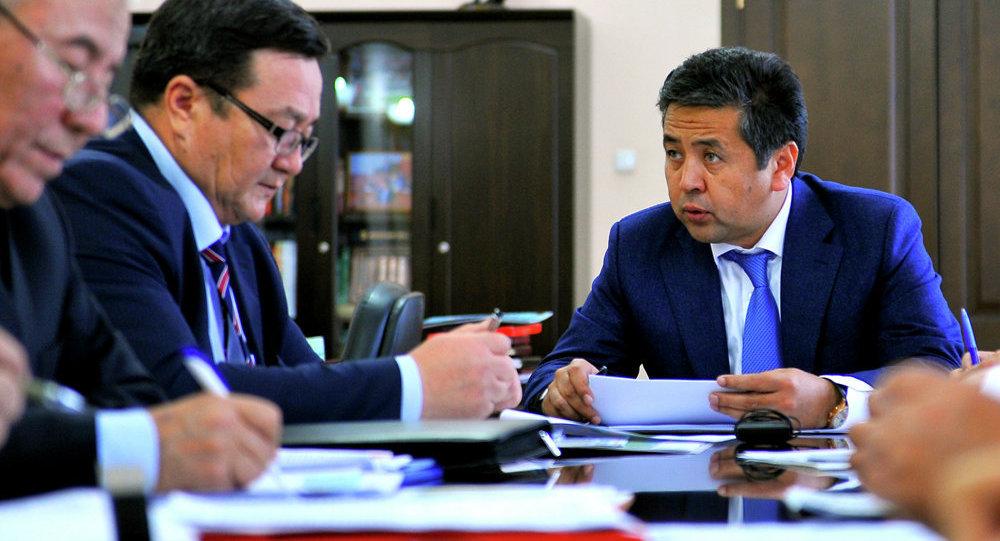 Первый вице-премьер-министр Кыргызской Республики Тайырбек Сарпашев