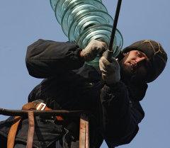 Монтаж опор воздушной линии электропередачи в Калининградской области
