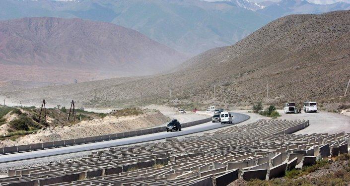 Капитальная реконструкция автодороги Бишкек-Нарын-Торугарт