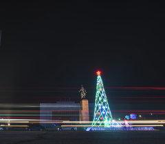 Главная елка Бишкека в прошлом году. Архивное фото