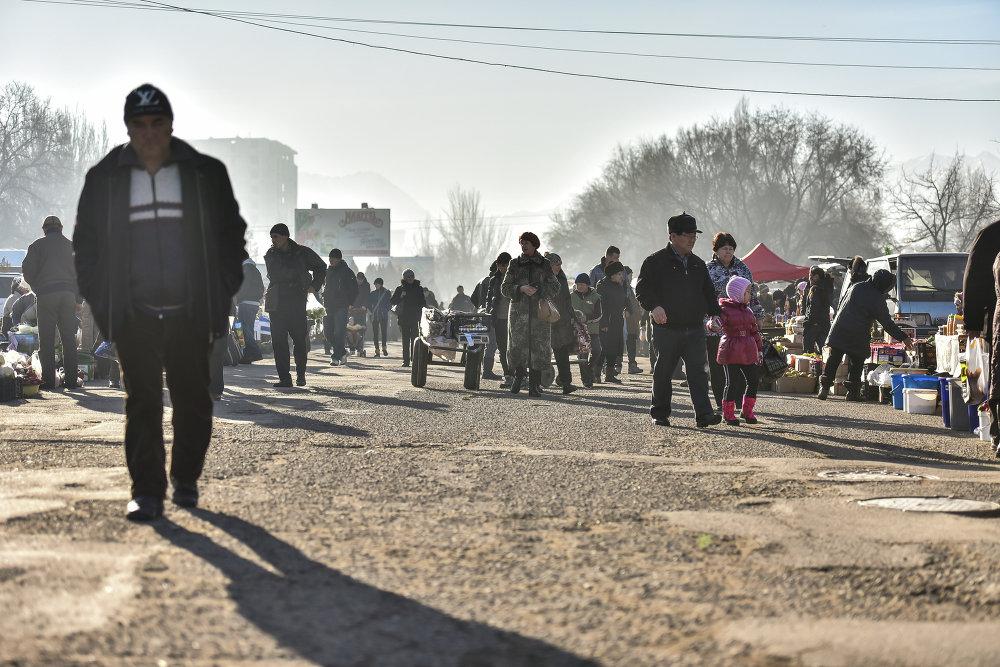В центре города начала свою работу предновогодняя ярмарка.