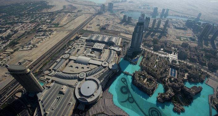 Вид на Дубай с делового центра Бурж Аль Халифа. Архивное фото