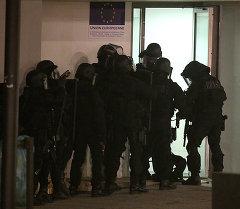 Полиция франции в офисе Charlie Hebdo