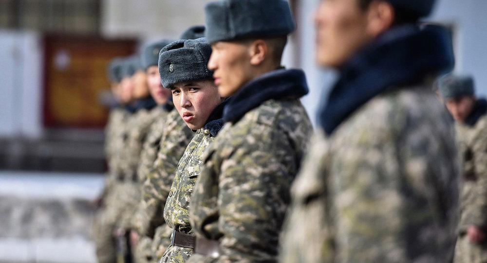 Солдаты национальной гвардии в строю. Архивное фото