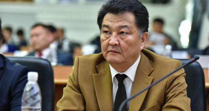 Министр здравоохранения Кыргызстана Талантбек Батыралиев