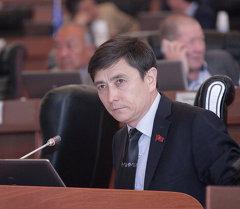 Парламенттин аппарат башчысы Абдыманап Кутушевдин архивдик сүрөтү