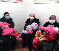 Матери с детьми больными корью