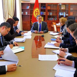 Премьер-министр Оторбаев провел рабочее совещание по присоединению КР к ЕАЭС