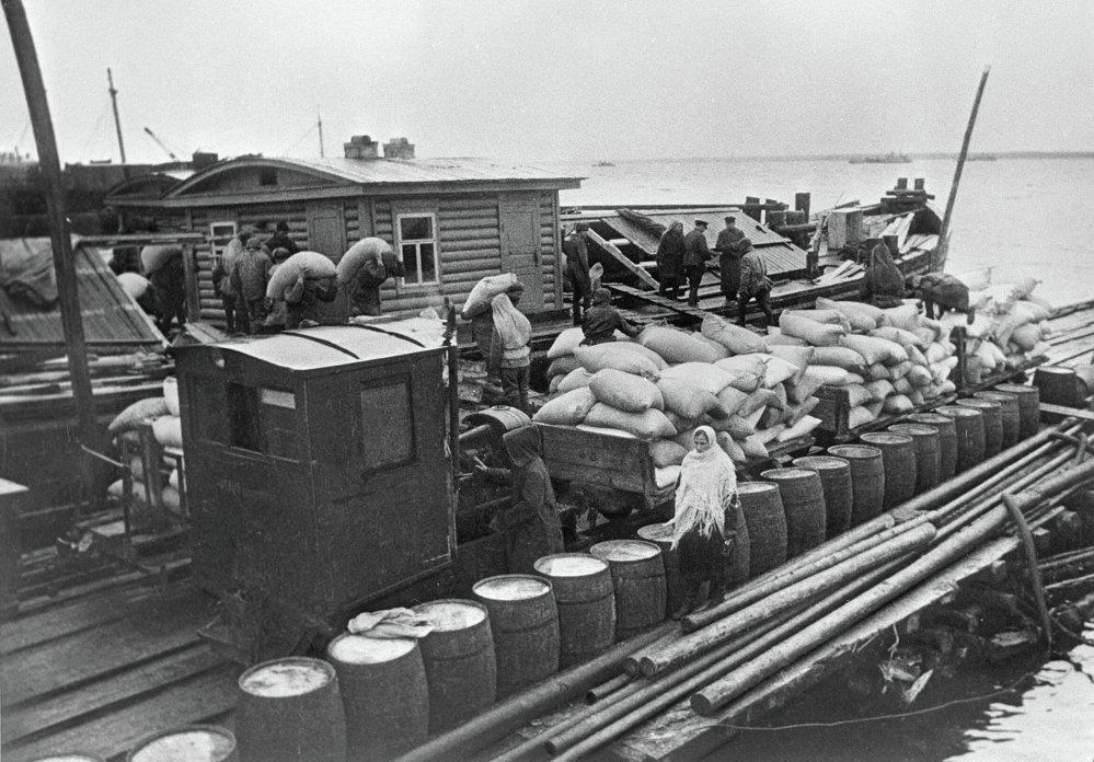 Доставка продовольствия в осажденный Ленинград