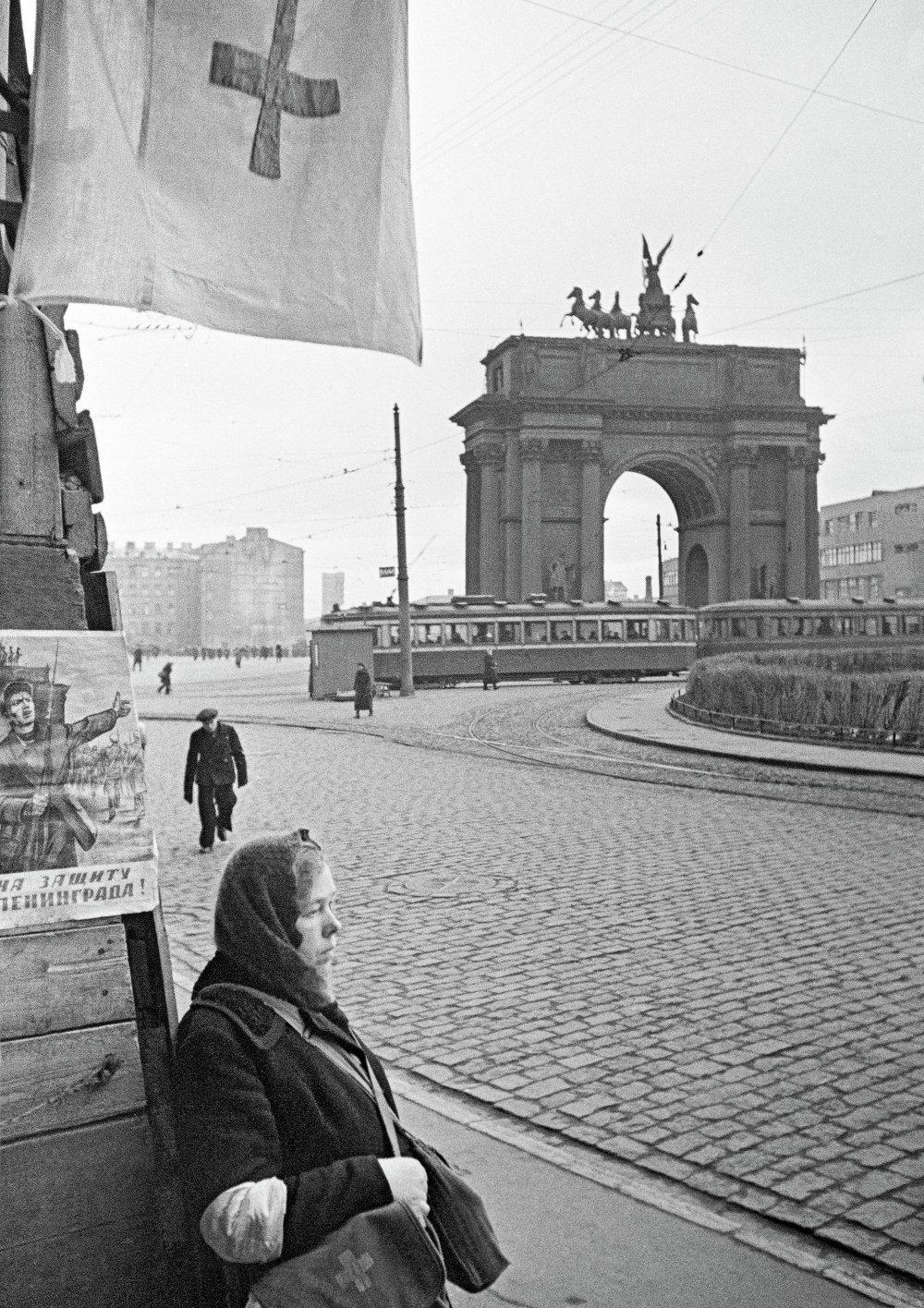Санитарный пост у Нарвских ворот в Ленинграде