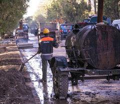 Ремонт дороги в городе Бишкек. Архивное фото