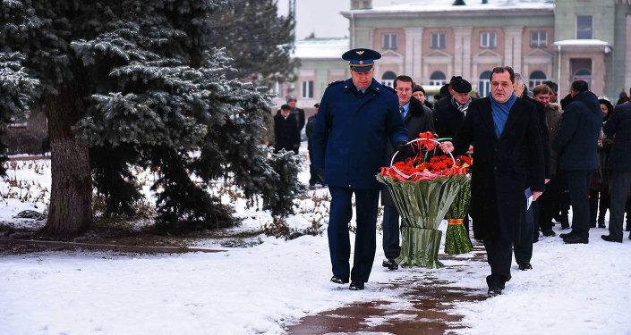 130 лет Михаилу Фрунзе
