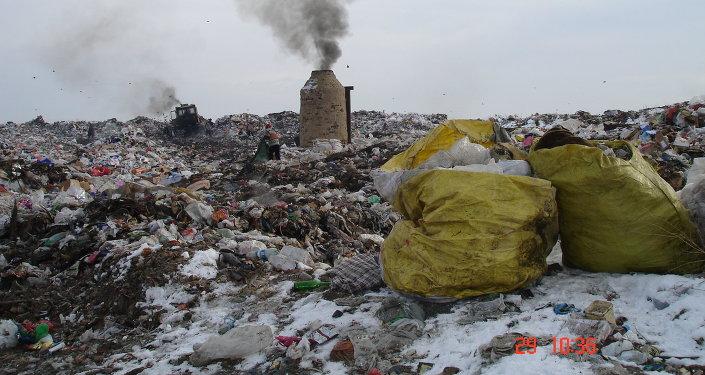 Мусорный полигон в Бишкеке