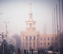 Здание Международного университета в Кыргызстане. Архивное фото