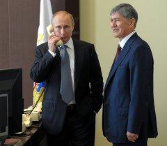 Владимир Путин жана Алмазбек Атамбаев. Архив