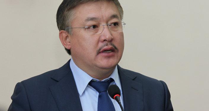 Жогорку Кеңештин экс-спикери Аxматбек Келдибеков. Архивдик сүрөтү