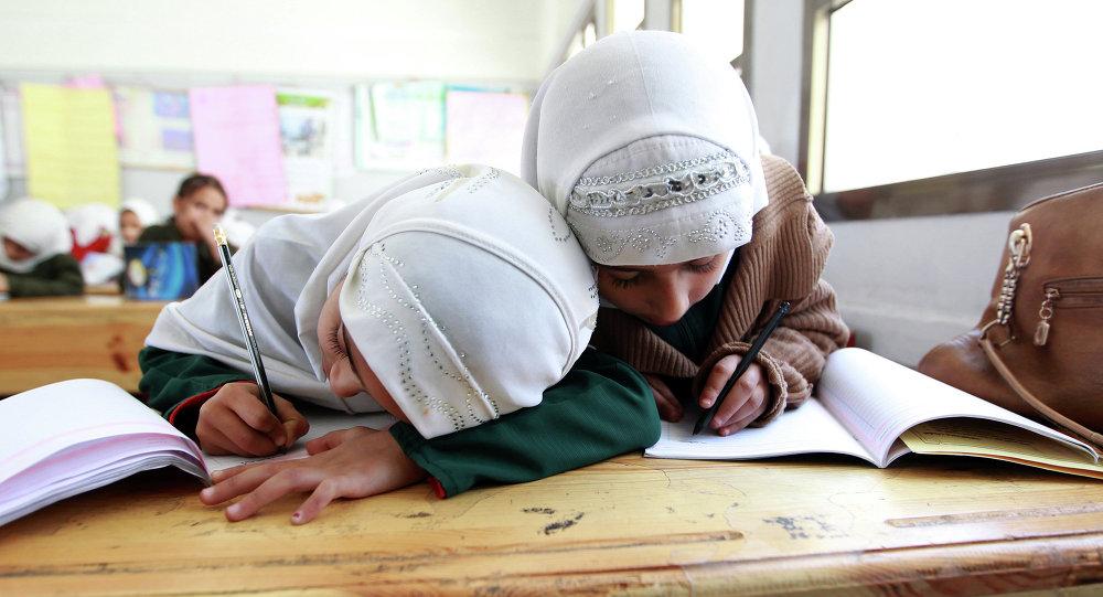 Йеменские школьницы