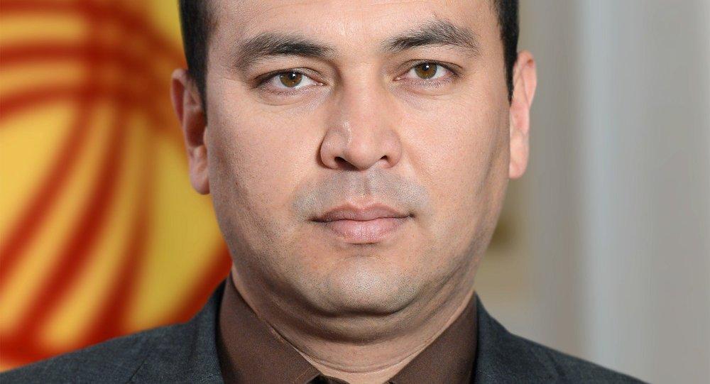 Темир ДЖУМАКАДЫРОВ - секретарь Совета обороны Кыргызской Республики