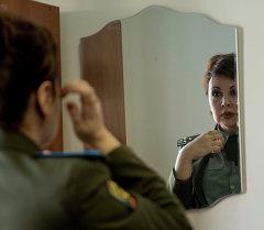 Женщина в форме. Архивное фото