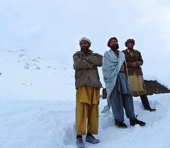 Число жертв схода лавин в Афганистане возросло до 124 человек