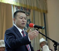 Кыргызстан Социал Демократтар партиясынын лидери Чыныбай Турсунбеков. Архив
