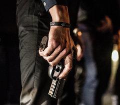Люди с пистолетом. Архивное фото