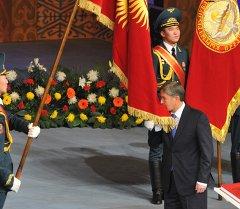 Президент Алмазбек Атамбаевдин инаугурациясы. Архивдик сүрөт