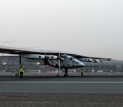 Самолет на солнечных батарейках Solar Impulse 2