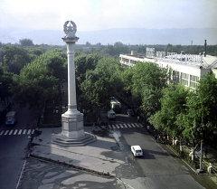 Колонна Независимости на проспекте Ленина в Душанбе