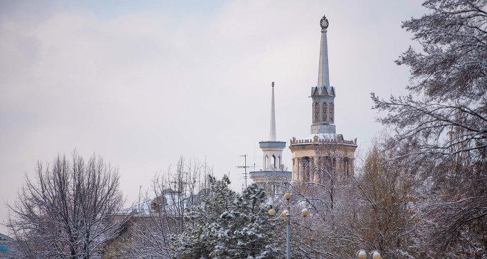 Весенний снег в Бишкеке