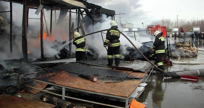К тушению пожара были привлечены силы и средства в составе 207 человек и 59 единиц техники.