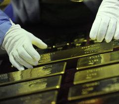 На заводе по обработке цветных металлов. Архивное фото