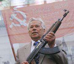 Михаил Калашников. Архивное фото