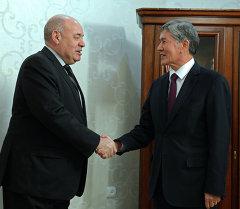 Атамбаев Эл аралык маданий кызматташуу боюнча Россия Президентинин Атайын өкүлү Михаил Швыдкойду кабыл алды