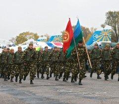 Показательные выступления бойцов в городе Канте. 10-летию юбилея открытия базы ОДКБ в Кыргызстанею Архивное фото