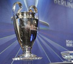 В штаб-квартире УЕФА. Архивное фото