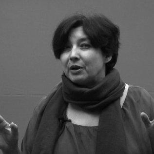 Елена Баялинова читает стихотворение Алыкула Осмонова Женщина