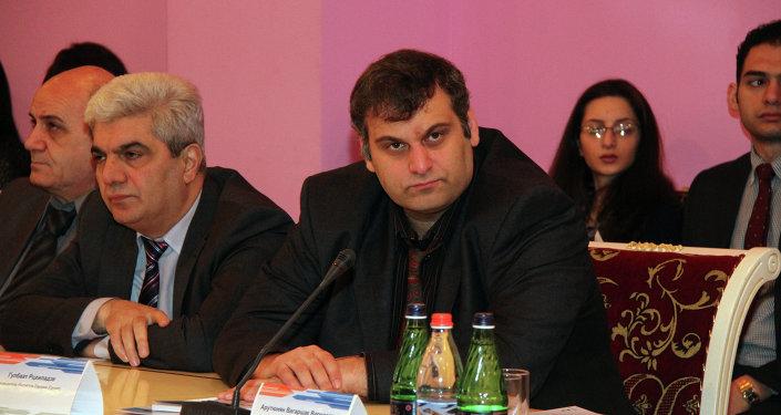 Грузинский аналитик Гулбаат Рцхиладзе. Архивное фото