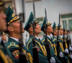 Аскерлердин Москвадагы парадка даярданышы. Архив