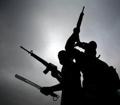 Вооруженные люди. Архивное фото