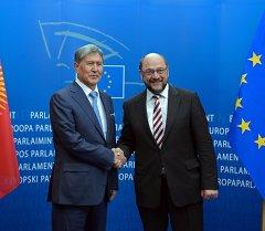 Алмазбек Атамбаев Европа союзунун институттарына жасаган иш сапарынын алкагында 26-мартта Европа парламентинин төрагасы Мартин Шульц менен жолукту