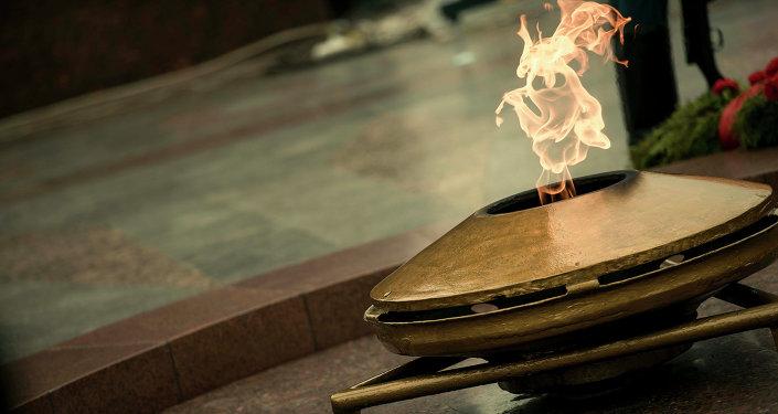 Вечный огонь на площади в Бишкеке. Архивное фото