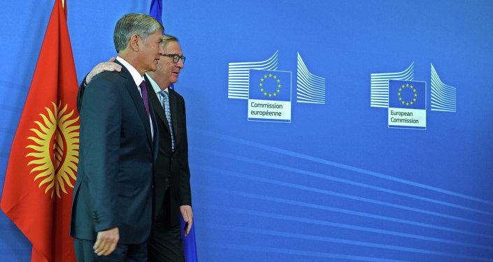 Президент Алмазбек Атамбаев встретился с Председателем Европейский комиссии Жан-Клодом Юнкером