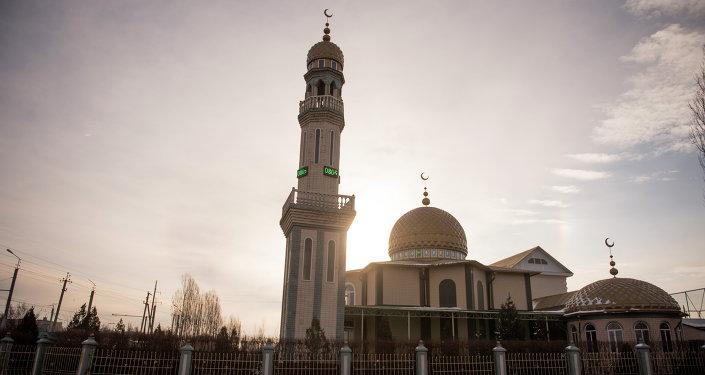 Мечеть в новостройке Ак-Орго. Архивное фото