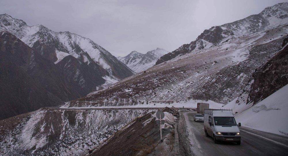 Перевал Тоо-Ашуу в Кыргызстане. Архивное фото