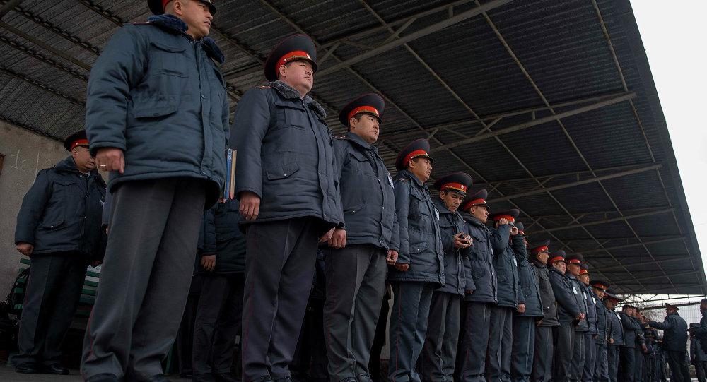 ИИМдин атайлаштырылган мамлекеттик күзөт башкы башкармалыгынын кызматкерлери. Архивдик сүрөт