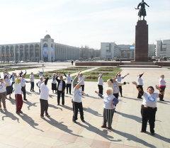 Бишкекте болгон флешмобго жалаң улайгандар катышты