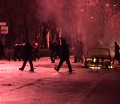 2010-жылдын 7-апрелинин түнүндө Бишкек талап-тоноочулардын колунда калды