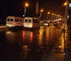 В городе Оше спасатели всю ночь ликвидировали последствия проливного дождя.