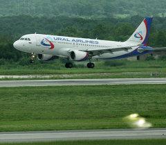 Самолет А-320 авиакомпании Уральские авиалинии. Архивное фото